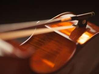 Instrumentos <br> Musicais e <br> Arte